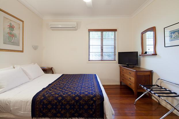 Apartment 4 Bedroom